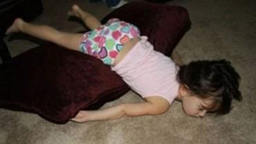 13 przykładów na to, że dzieci są cały czas atakowane przez niewidzialnych ninja!