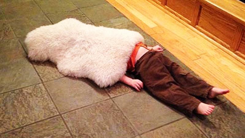 20 dzieci, które podczas zabawy w chowanego, ukryły się w dość dziwnych miejscach. Pękniesz ze śmiechu!