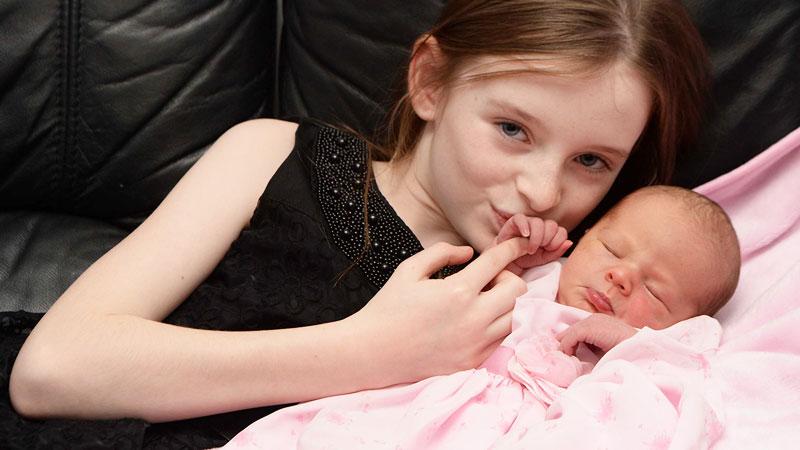 Jedenastolatka odebrała poród swojej matki. To, co zrobiła później, jest wręcz niewiarygodne!
