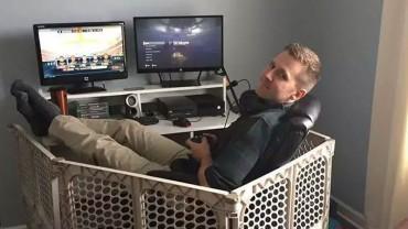 Gracze komputerowi kontra dzieci. Zobacz, jak rodzice zapewniają sobie spokój