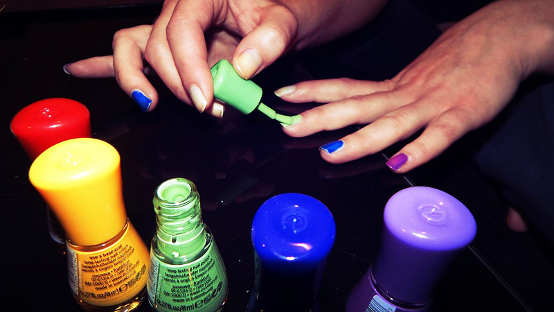 3 szkodliwe substancje, które nie powinny znaleźć się w lakierach do paznokci. Koniecznie zobacz ich skład!