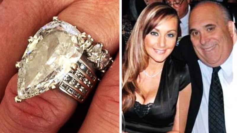 Wyrzucił do śmieci pierścionek wart 1,5 miliona złotych! Gdy się zorientował, było już za późno...