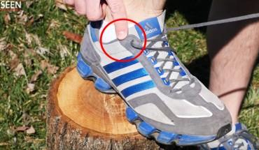 Genialne zastosowanie dodatkowej dziurki w butach sportowych! Wiedziałeś, do czego służy ten otwór?