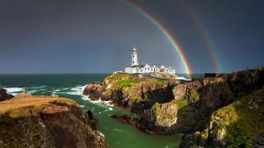 Irlandia to nie tylko piwo Guinness, zielone koniczynki i parada na dzień Św. Patryka. Ten kraj ma do zaoferowania turystom o wiele więcej