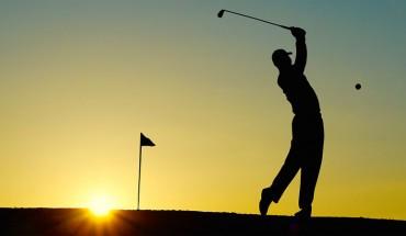 Uważacie, że golf to nudy sport? Po obejrzeniu tego filmiku i pokazanych w nim trików na pewno zmienicie zdanie