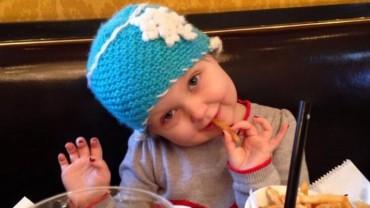 Chora na raka 5-latka dostała od rodziców wyjątkowy prezent. Zobaczcie, co wraz z tysiącami ludzi dla niej zorganizowali