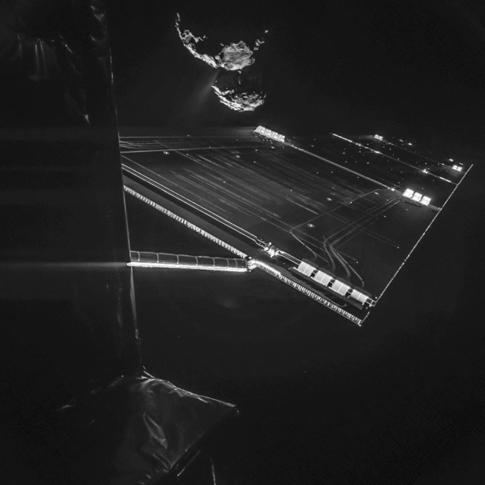 205105-1000-144716078710106410-R3L8T8D-950-Rosetta_mission_selfie_at_16_km