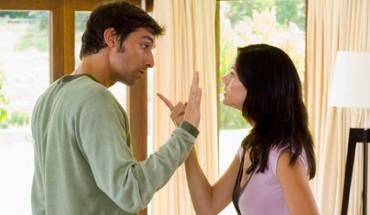 Te 4 słowa są w stanie zniszczyć każdą relację! Nigdy ich nie wypowiadaj w taki sposób!