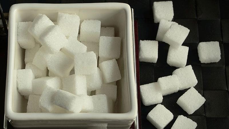 Cukier nie tylko osładza człowiekowi życie. Poznajcie alternatywne zastosowanie białych kryształków