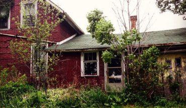 Odwiedziny pewnego na pozór opuszczonego domu, zmieniły i wzbogaciły życie Leslie. Zobaczcie, kogo tam spotkała