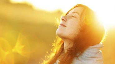 6 pozytywnych wskazówek, jak przetrwać w trudnych okresach życia i nie zgorzknieć