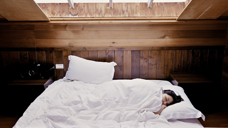 13 sposobów na to, by lepiej spać. Gdy sie do nich zastosujesz będziesz spać jak niemowlę!