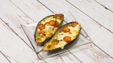Nadziewane bakłażany to idealna propozycja dla miłośników warzyw i nie tylko