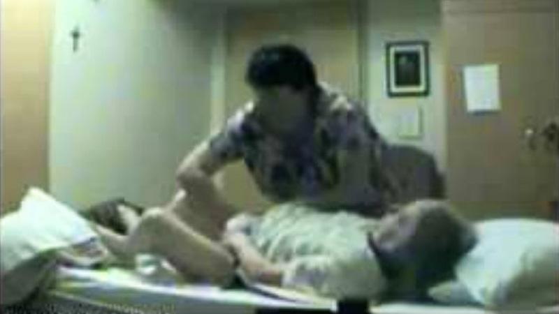 Pielęgniarka w domu opieki nie wiedziała, że jest nagrywana. To, jak potraktowała tę starszą kobietę, jest szokujące!
