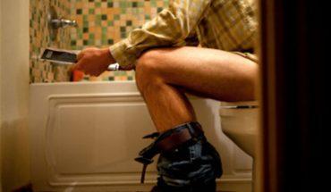 To, jak siedzicie w toalecie ma ogromne znaczenie dla waszego zdrowia! Sprawdźcie, jak prawidłowo korzystać z porcelanowego tronu