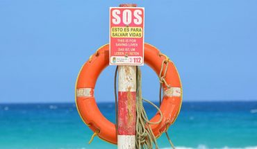 Przezorny zawsze ubezpieczony, czyli jak zrobić podręczny zestaw awaryjny na wakacyjny wyjazd