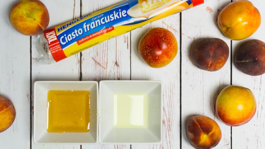 0048 tarta z nektarynkami i brzoskwiniami składniki 900x600