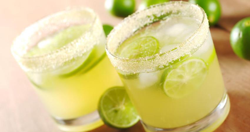 Domowy napój pomagający zwalczyć uporczywy ból głowy. Wypij i poczuj różnicę!