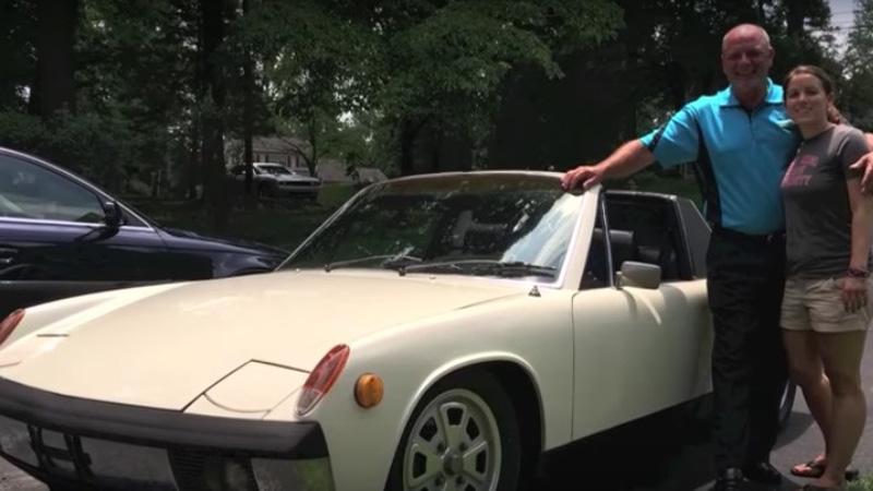 Sprzedał ukochane auto, by poślubić jej matkę. Sposób w jaki mu podziękowała, doprowadza do łez