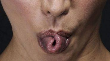 Naukowcy się pomylili! Zdolność zwijania języka w różne kształty nie jest uwarunkowana genetycznie i można się jej nauczyć
