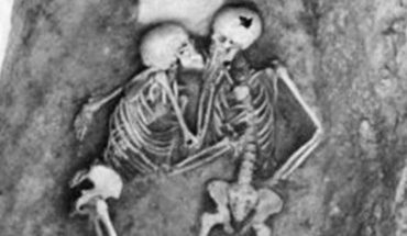 Zjednoczeni w ostatnim oddechu. Znaleziono 2800-letnie szkielety, które wyglądały tak, jakby się całowały!