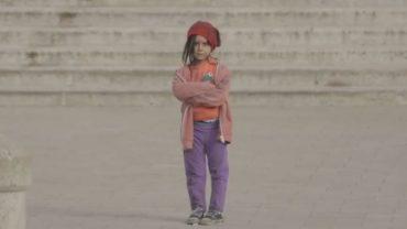 Ten eksperyment społeczny UNICEF w przygnębiający sposób pokazuje, jak bardzo pieniądze dzielą świat