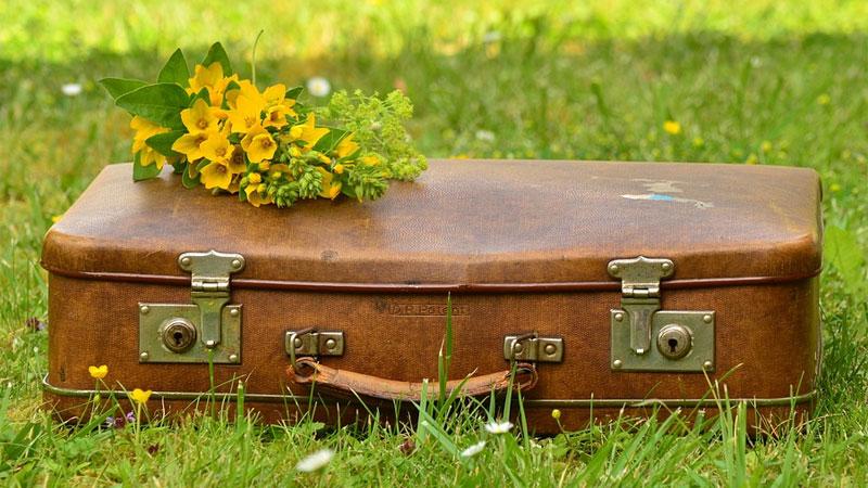 Jedziesz na wakacje, a może masz wyjazd służbowy? Podpowiadamy, jak szybko i efektywnie spakować walizkę na każdą okazję