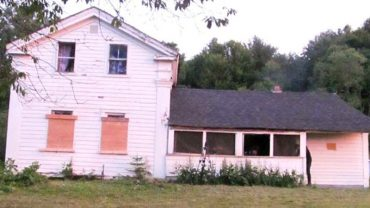 Nikt przy zdrowych zmysłach nie wszedłby do tego domu. Powód mrozi krew w żyłach!