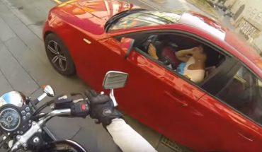 Odważna dziewczyna na motorze uczy rosyjskich kierowców kultury i porządku. Brawa dla niej!