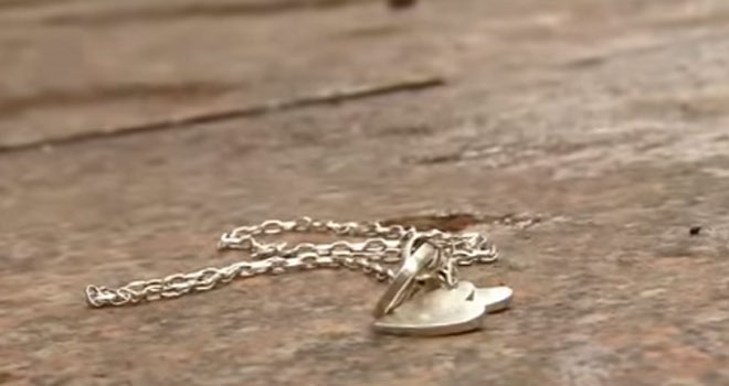 lost-necklace-p