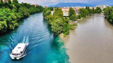 Ludzie z całego świata zjeżdżają do tego miejsca, by zobaczyć ten magiczny widok. Zobacz strefę, gdzie spotykają się dwie różne rzeki