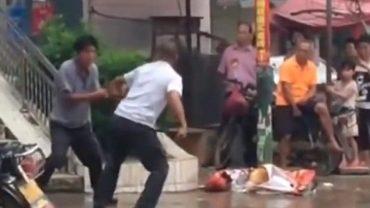 Myślisz, że wszyscy Azjaci znają sztuki walki? Ten film pokaże ci całą prawdę
