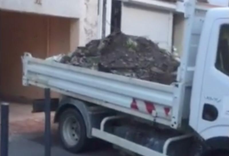 mayor-turned-garbage11
