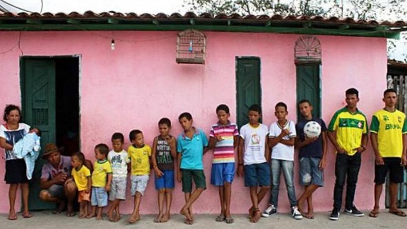 Spłodzili 13 synów, czekając na upragnioną córkę. Nie poddają się i próbują dalej. Czy los wreszcie się do nich uśmiechnie?