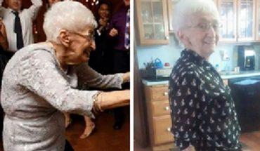 Ta kobieta od dziesięcioleci była zgarbiona i próbowała wszystkiego, by znów móc stać prosto. W końcu znalazła coś, co jej pomogło…