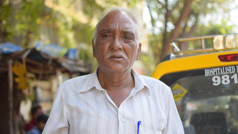 Ten mężczyzna porzuciła pracę, by pomagać innym! Uratował już 500 osób!