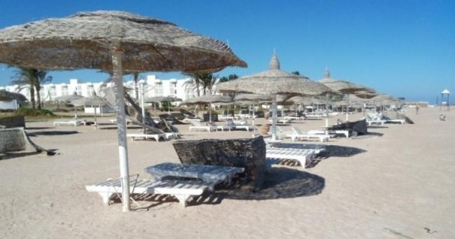 deserted-complex-raouf-hotels-v