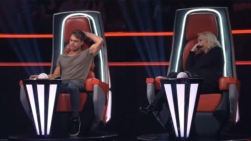 """Gdy jurorzy programu """"The Voice of South Africa"""" odwrócili swoje fotele, to na ich twarzach zamiast uśmiechów pojawiły się łzy..."""