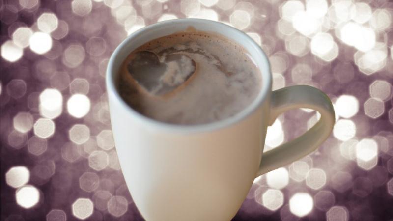 Przed nami coraz dłuższe wieczory, warto zaopatrzyć się w wino i czekoladę, bo można z nich zrobić doskonały rozgrzewający napój