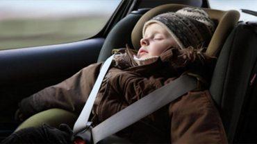 Przewozisz dziecko w foteliku ubrane w kurtkę? Oto przerażający powód, dla którego nie powinieneś nigdy tego robić!