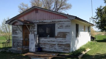 Odziedziczyła tę ruinę po zmarłej babci. Gdy sąsiedzi weszli do środka, zaniemówili z wrażenia!