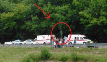 Kierowca ciężarówki zrobił zdjęcie miejsca wypadku, który mijał po drodze. Gdy spojrzał na fotografię, włosy stanęły mu dęba