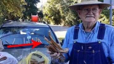 Poruszona do łez kobieta pomogła staruszkowi, który sprzedawał drewno. Nie była przygotowana na konsekwencje swojego działania!