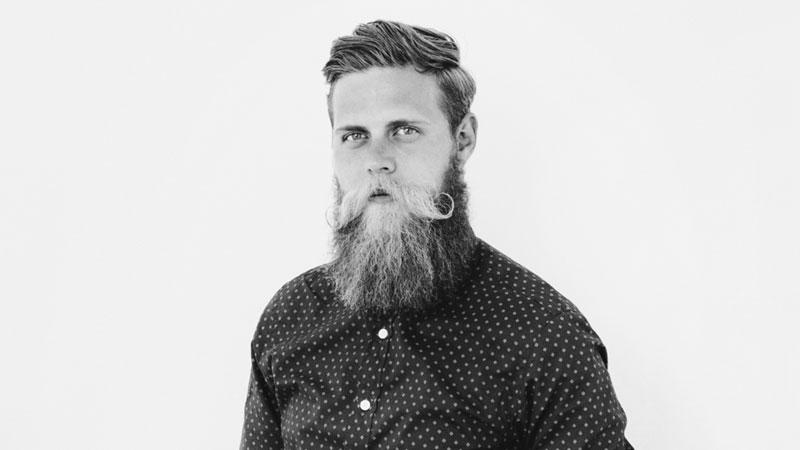 Tobias van Schneider jest doskonałą inspiracją dla ludzi, którzy walczą z nałogami. Mężczyzna już od 28 miesięcy nie pije alkoholu i kawy, co totalnie zmieniło jego życie