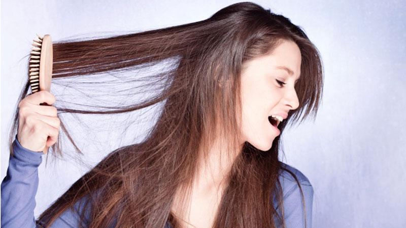 15 błędów najczęściej popełnianych podczas pielęgnacji włosów. Te zachowania sprawiają, że wasze kosmyki tracą blask i zdrowie