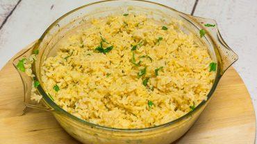 Pieczony ryż z papryką, tymiankiem i skórką cytrynową