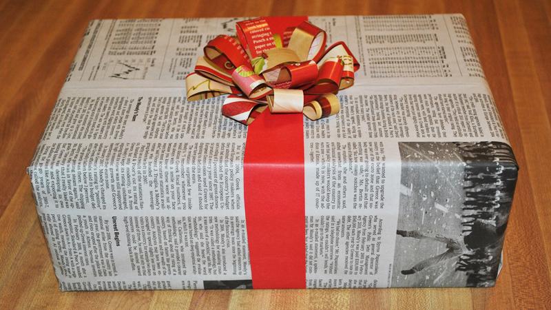 Chłopiec dał nauczycielce prezent, z którego śmiali się wszyscy uczniowie. Kiedy kobieta została sama, nie mogła opanować łez wzruszenia
