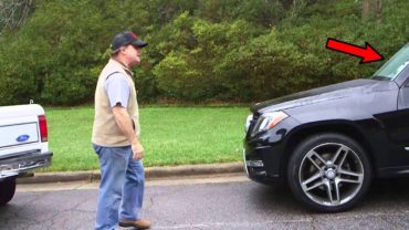 Wściekły facet zaczął kłótnię z innym kierowcą. Gdyby tylko wiedział, kto siedzi w tym aucie…