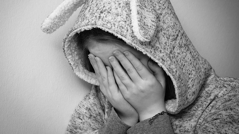 Tych zdań nigdy nie mów komuś, kto ma depresję. Zamiast pomóc tylko pogorszysz sprawę!