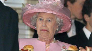 Zaskakujące zasady etykiety, które musi przestrzegać nawet królowa